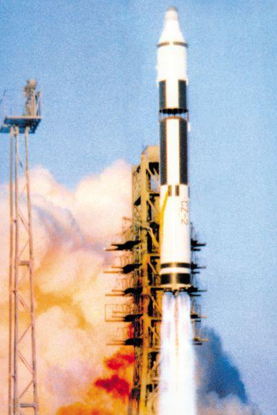 Quatrième puissance spatiale à maîtriser les vols spatiaux habités - Page 2 799927